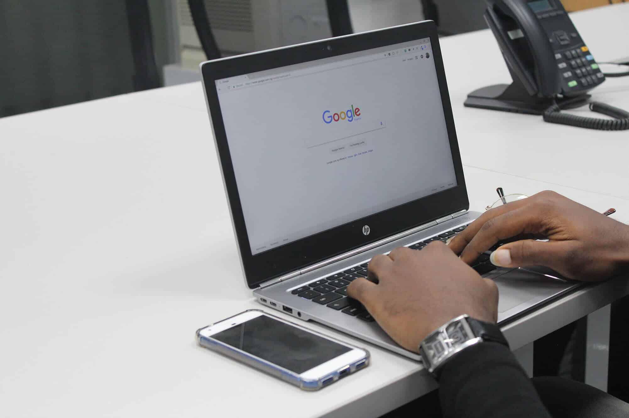 Google Sök börjar visa information om källan